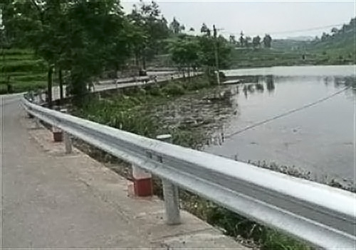 波形护栏板